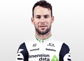 Mark Cavendish takes his first victory of the season at Dubai Tour